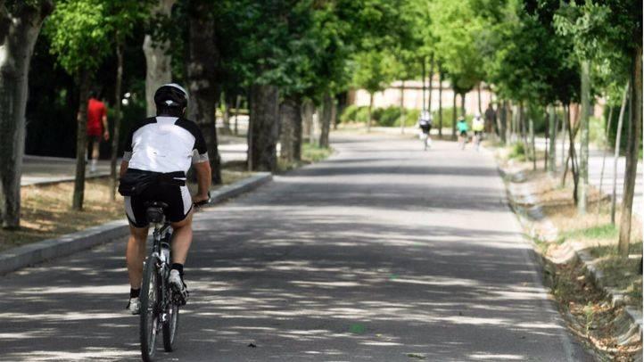 Ciclistas en el paseo del Embarcadero.