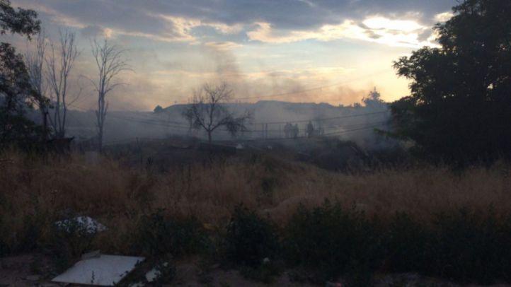 Dos varones sufren quemaduras tras incendiarse seis chabolas de El Gallinero