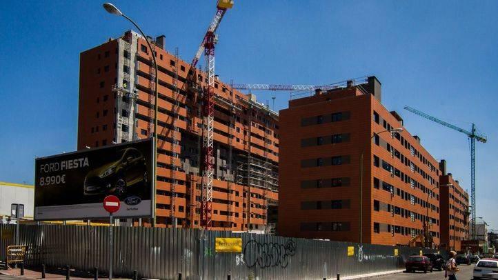 Obra de un edificio de pisos en los terrenos de la antigua sede de urbanismo del Ayuntamiento de Madrid en la calle Guatemala.