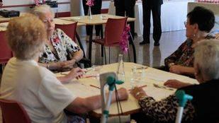 La Comunidad inspeccionará dos veces al año las residencias de mayores dependientes, niños y adolescentes