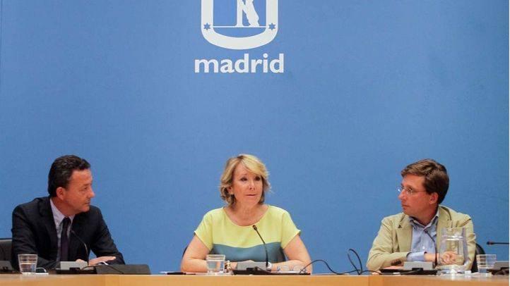 Esperanza Aguirre interviene en la rueda de prensa posterior a la reunión del grupo municipal del PP (archivo).