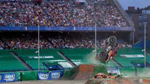Piruetas y rugido de motores en el Vicente Calderón
