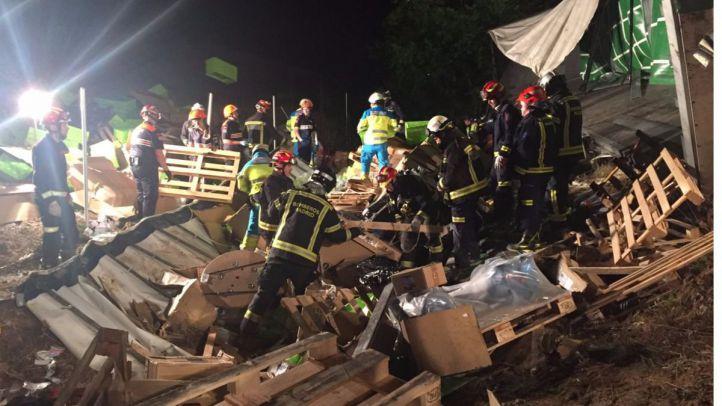 Un hombre muere aplastado por la carga de su camión a la entrada de Leganés