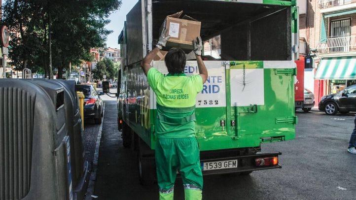Madrid tendrá 500 barrenderos más tras retirar las empresas de limpieza los ERTE