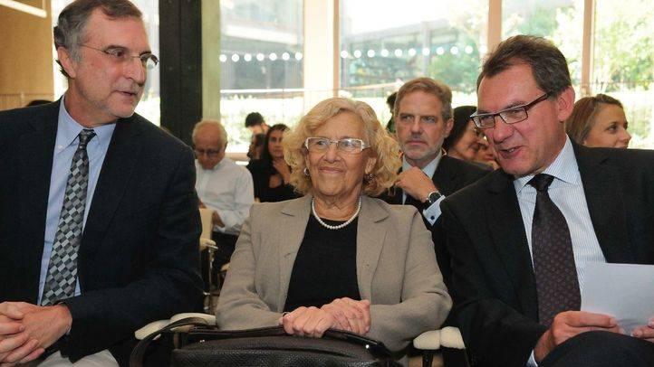 La alcaldesa, Manuela Carmena, ha inaugurado la XII Semana de la Arquitectura en el Colegio Oficial de Arquitectos de Madrid.
