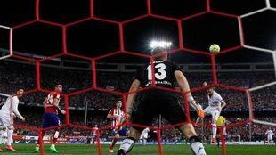Un gol de Vietto castiga el conformismo del Madrid y le quita el liderato