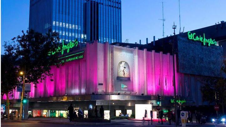 El Corte Inglés se tiñe de rosa por el Día Mundial Contra el Cáncer de Mama