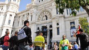 Protesta por los 21 despedidos de Madrid Río que fueron readmitidos por orden judicial