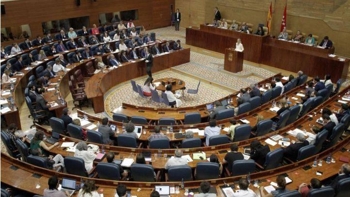 La Asamblea insta al Gobierno a crear un servicio de apoyo a las familias en riesgo de desahucio