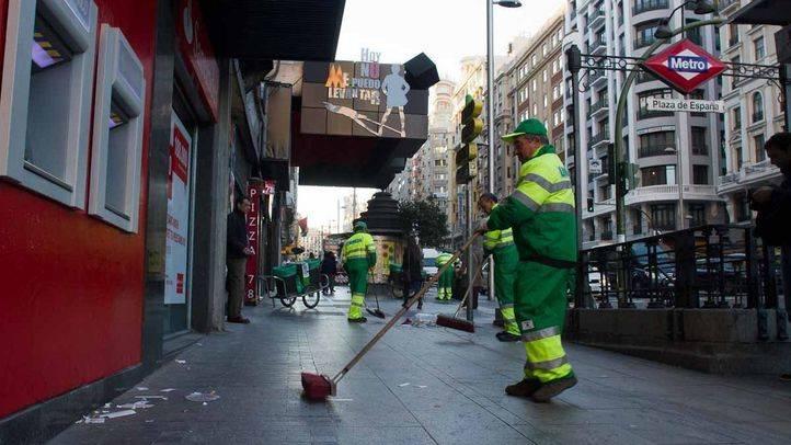 Las limpiezas intensivas llegan a 18 barrios de Madrid