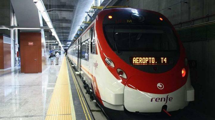 CC.OO y UGT convocan huelga en el puesto de mando de Chamartín que controla los trenes de Cercanías