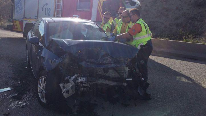 Un bebé, ileso tras un choque entre dos vehículos que deja tres heridos