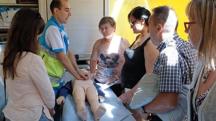 SAMUR-Protección Civil imparte formación en las calles por la salud cardíaca