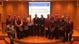 La Comunidad premia a 16 empleados de Metro por sus