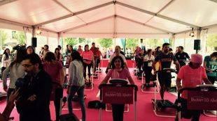 Madrid corre 25.000 kilómetros en cintas de gimnasio para luchar contra el cáncer de mama
