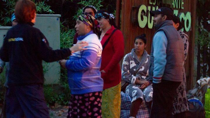 El Samur Social atiende a los ocuapantes desalojados.