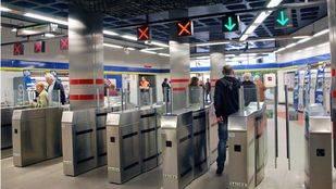 Un fallo eléctrico provoca problemas con la Tarjeta de Transporte en 50 estaciones de Metro