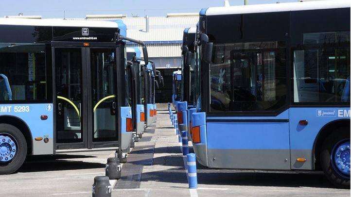 Autobuses de la EMT en las cocheras.