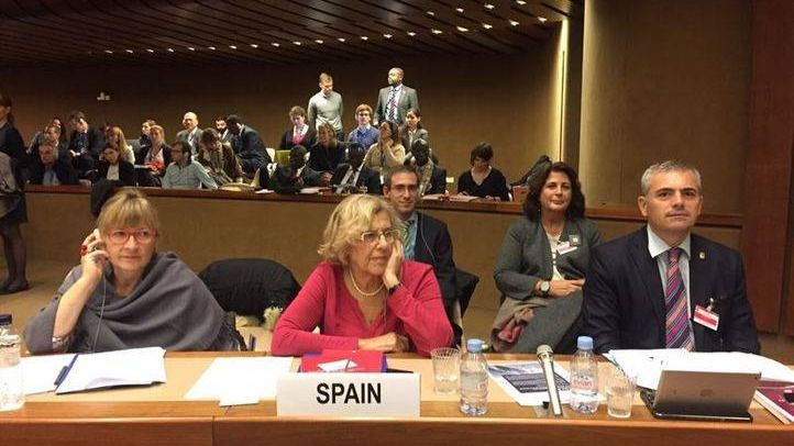 Manuela Carmena en el congreso de Ginebra.