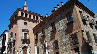 El Ministerio de Educación, la misteriosa Casa de las siete chimeneas.