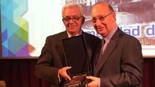 El consejero de Sanidad, Jesús Sánchez Martos, participa en la entrega de los premios de la revista New Medical Economics