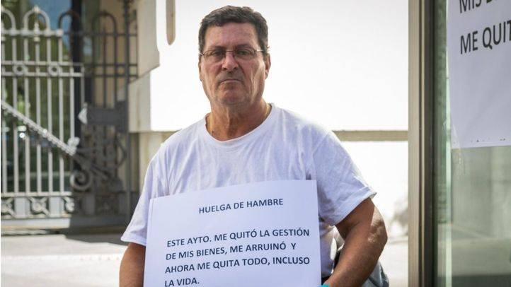 El empresario en huelga de hambre frente al ayuntamiento consigue su objetivo