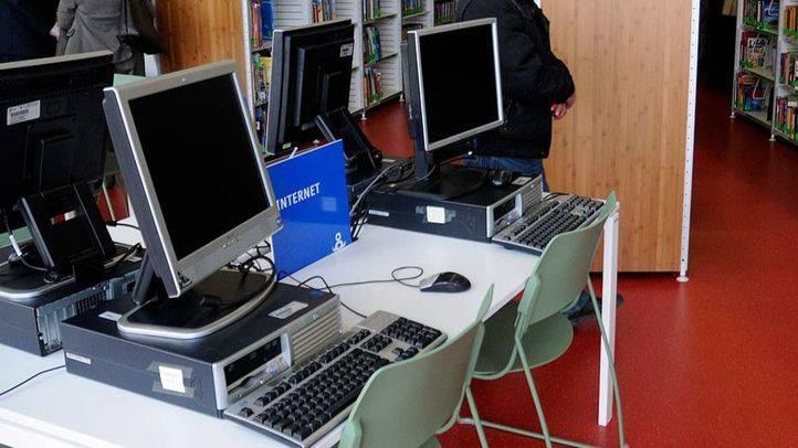 Archivo. Internet con ordenadores