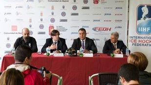 El alcalde de Valdemoro, Guillermo Gross explica los detalles del campeonato preolímpico de hockey sobre hielo