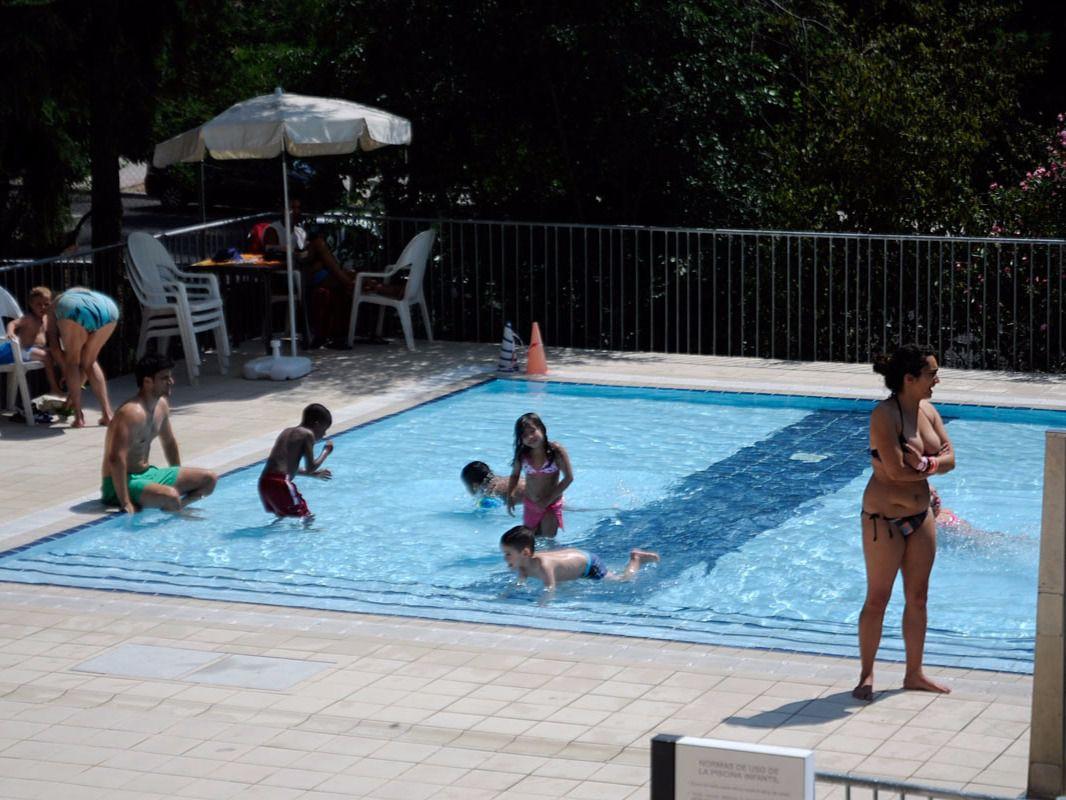 Las piscinas de puerta de hierro san vicente de pa l y for Piscina chamberi