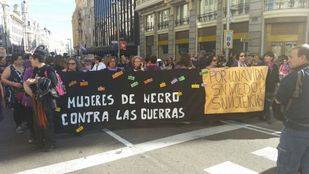 Decenas de miles de personas claman en Madrid por el fin de la violencia contra las mujeres