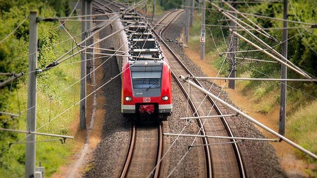 la reserva de billetes ave madrid zaragoza ms fcil en trenescom