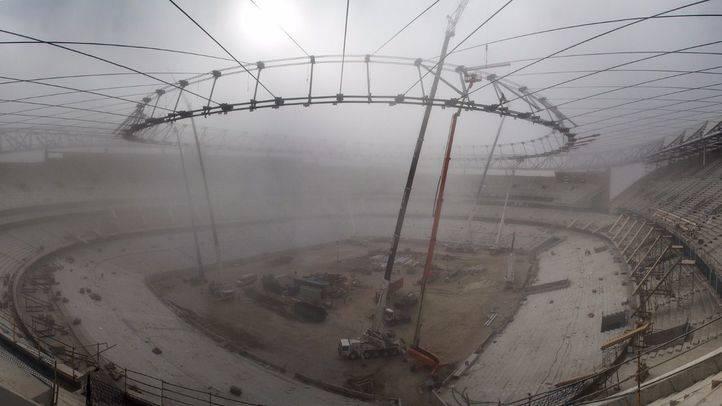 Obras de construcción del antiguo estadio de La Peineta que lleva acabo la empresa FCC para convertirlo en el estadio Wanda Metropolitano para el Atlético de Madrid. (Archivo)