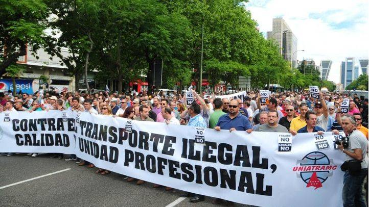 Manifestación de taxistas contra la competencia desleal de Uber