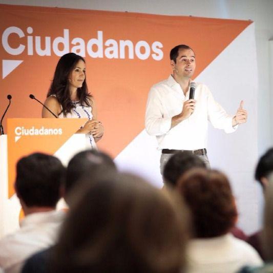Begoña Villacís acompaña a Ignacio Aguado