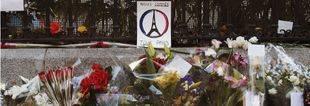 Centenares de personas se concentran ante la embajada francesa en Madrid en repulsa de los ataques