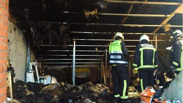 Herido un bombero en Pinto en un incendio en dos buhardillas
