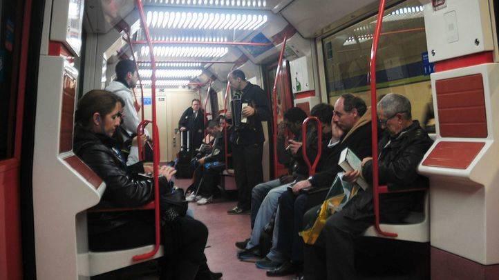 Metro se reforzará con 21 trenes cuando haya restricciones al tráfico por contaminación