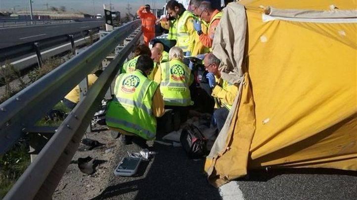 Fallece un motorista tras chocar contra un coche en la A-3