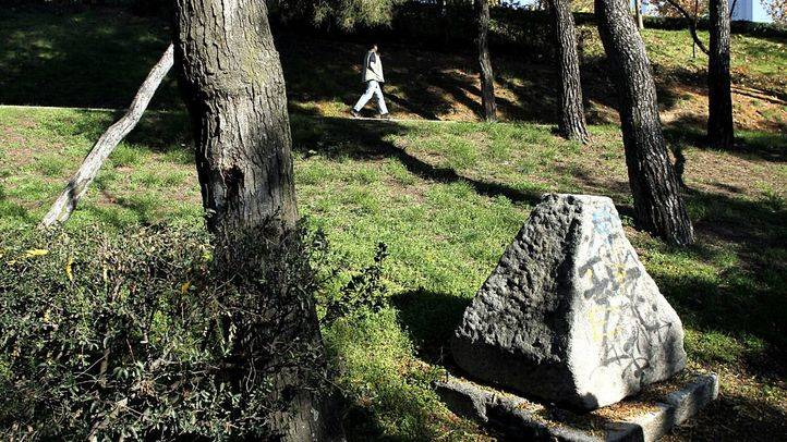 Un fuerte olor a gasolina en el Parque de los Pinos preocupa a los vecinos de Tetuán