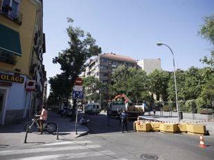 El Ayuntamiento cierra un tramo de la calle Galileo para ensayar su peatonalización