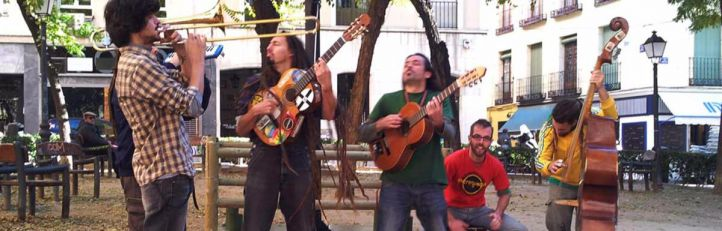 El Ayuntamiento establecerá un horario a los músicos para tocar en la calle