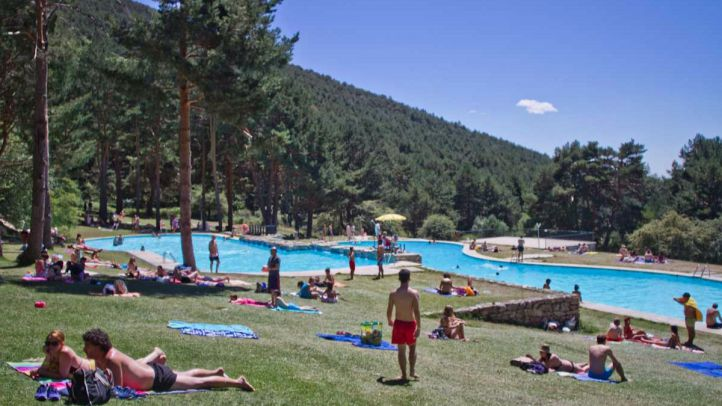 Piscina natural en el parque Las Berceas en Cercedilla.
