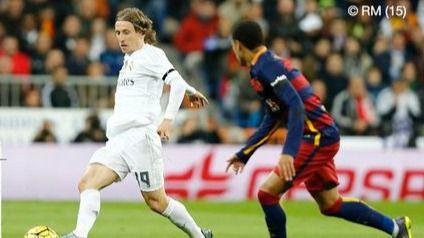 El Barça golea al Real Madrid en el Bernabéu
