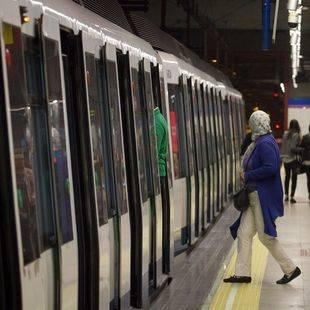 Los usuarios de Metro caen un 6,1% y los de EMT un 11,1% en abril