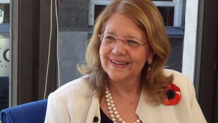 La Comisión anticorrupción cita a Elvira Rodríguez por los contratos de la cafetería de la Asamblea