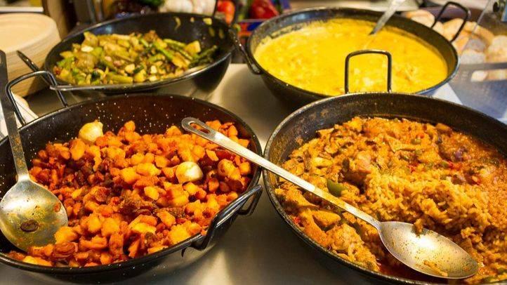 Varios platos que se pueden encontrar en el Mercado de San Ildefonso (Archivo)