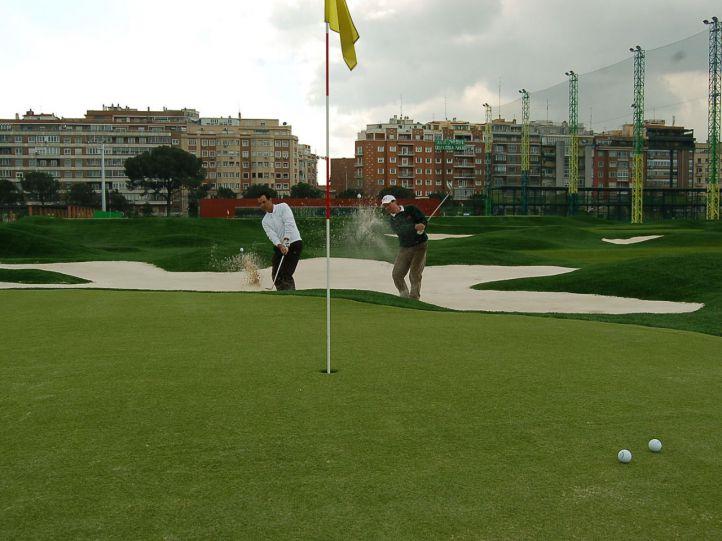 El Ayuntamiento estudia denegar la licencia al campo de golf del Canal en Chamberí