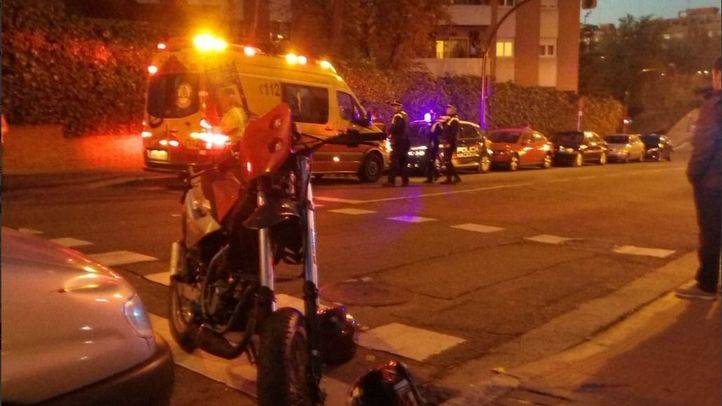 Herido grave un anciano atropellado por una moto en Fuencarral