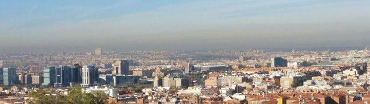 Un nuevo episodio de alta contaminación obliga otra vez a reducir la velocidad en la M-30 y los accesos a Madrid