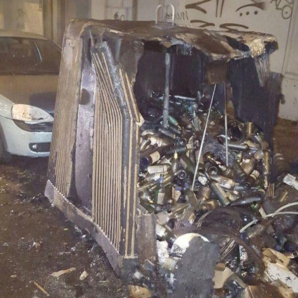 Detenido un presunto pirómano por incendiar tres contenedores en el distrito Centro